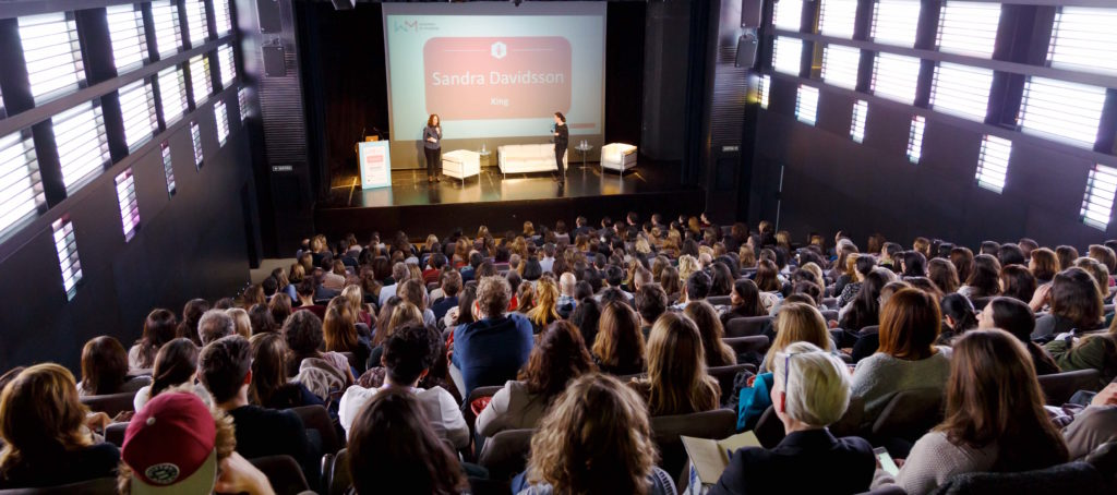 Women in Mobile Personalizacion Inteligencia Artificial